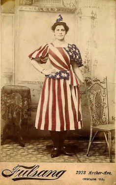 vintagesusie & wings: Happy of July! Happy 4 Of July, Fourth Of July, Vintage Pictures, Vintage Images, Victorian Fancy Dress, Victorian Ladies, Patriotic Images, Patriotic Dresses, Star Spangled Banner