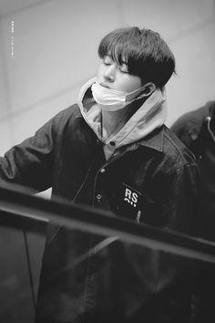 -risaxikon- Kim Hanbin Ikon, Ikon Kpop, Yg Ikon, Yg Entertainment, Black Kpop, Bobby, Ikon Leader, Winner Ikon, Ikon Debut