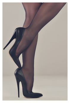 There's a lot here to love... the shoes are perfection, the arched feet are lovely, and those calves are killing me!