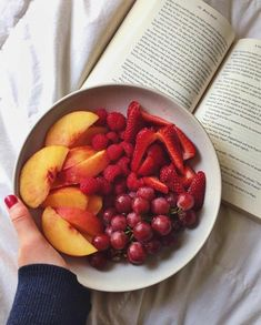 A fruit bowl and a book, the perfect evening.