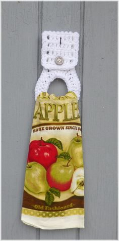 Kitchen Towel with Removable Towel Holder Apples by DebbieCrochets #etsygifts #pottiteam