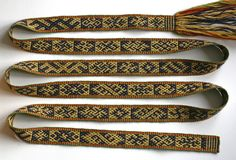 This band after a Latvian original is  (rigid) heddle woven. Both sides are equal, only the colours reversed. Weaving the same structure with tablets gives a slightly different back side. Marijke van Epen