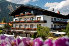 gemütliches all inclusive Hotel am Millstätter See in Kärnten All Inclusive Urlaub, Mansions, House Styles, Home Decor, Pictures, Decoration Home, Manor Houses, Room Decor, Villas