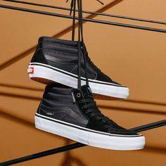 Skate shoes, Vans sk8 mid
