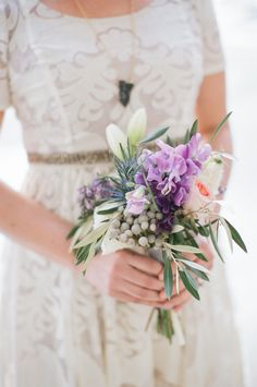 a pretty little bouquet for a courthouse wedding  Photography: Lily Glass Photography - lilyglassphotography.com  Read More: http://www.stylemepretty.com/2014/08/06/intimate-courthouse-wedding-inspired-shoot/