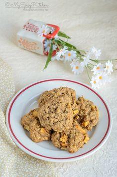 Apple oatmeal cookies spiced with cinnamon nutmeg are autumn cookies, apple oatmeal cookies, apple cookies, Autumn cookies, Fall Recipes, Apple Recipes