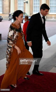 New Zealand's Prime Minister Jacinda Ardern and her partner Clarke Gayford arrive to The Queen's Dinner during the Commonwealth Heads of Government. 4 Photos, Stock Photos, Pictures, Elizabeth Philip, Head Of Government, Moving To New Zealand, Justin Trudeau, Buckingham Palace, British Royals