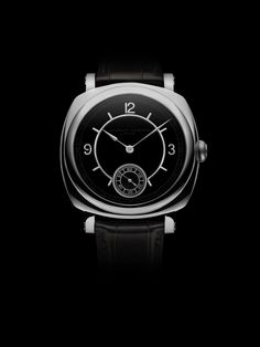 Laurent Ferrier presents the Galet Square Vintage America II, in a limited edition of 10 pieces, available at our retailer @SwissFineTiming.