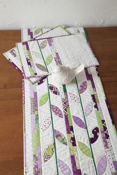Fallen Leaf Table Runner Placemats Kit Modern Purple Lilac Green White - product images  of