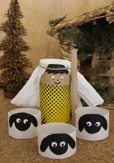 Crafting toilet paper rolls – ideas for fall, Halloween and Christmas - Easy Crafts for All Nativity Crafts, Christmas Nativity, Christmas Deco, Kids Christmas, Christmas Crafts, Bible Crafts For Kids, Preschool Crafts, Diy For Kids, Childrens Christmas