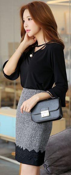 StyleOnme_Zig-zag Lace Hem Pencil Skirt #black #lace #chic #feminine #autumn…