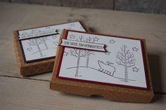 Heute zeige ich Euch eine schöne weihnachtliche Verpackung für eine Tafel Ritter Sport. Verwendet habe ich das Stempelset Weiße Weihnacht von Stampin' Up!.