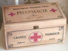 Google képkeresési találat: http://www.lemoncherry.com/ekmps/shops/cherry/images/vintage-chic-style-shabby-look-wooden-pharmacy-medicine-first-aid-storage-box-375-p.jpg