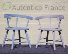Deux petites chaises pour enfants Autentico Vintage Gers Bleu et Lavender!!
