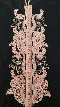 Embroidery Dress, Ribbon Embroidery, Machine Embroidery, Morrocan Dress, Moroccan Caftan, Desi Wedding Dresses, Batik Fashion, Moroccan Design, Pakistan Fashion