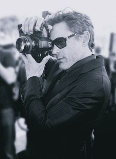 Robert Downey Jr.  - Famous People. With Cameras.