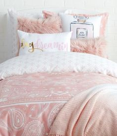 Shopping for dorm decor is essential if you want to make your college room feel like a home-away-from-home. But browsing for dorm decor can be overwhelming at times. Not only are there many items to keep in mind, but there are many different dorm...