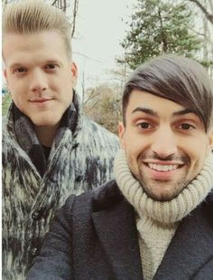 These 2 dudes aka Scott Hoying (left) and Mitch Grassi (right) have the best fashion sense! X