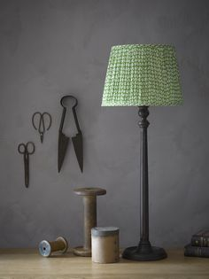 Try out a vintage look with the traditionally stylish Luty table lamp.