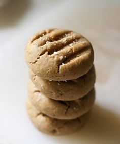 Soft Whole Wheat Peanut Butter Cookies (vegan) « 17 and Baking Cookie Desserts, Vegan Desserts, Just Desserts, Cookie Recipes, Delicious Desserts, Dessert Recipes, Good Healthy Recipes, Whole Food Recipes, Healthy Snacks
