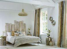 Tête de lit bois flotté – une décoration romantique qui respire la mer