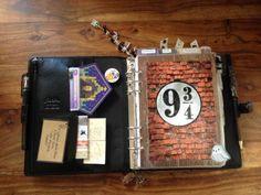 DIY Harry Potter planner! It's gorgeous!