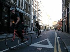 Google Image Result for http://www.berfrois.com/wp-content/uploads/2012/05/alleycat-london.jpg