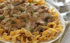 Cabot updated your moms boring beef stroganoff with a Greek Yogurt Sauce, bella mushrooms & paprika. Try this fresh new take a classic beef stroganoff recipe now! Yogurt Recipes, Greek Recipes, Sauce Recipes, Cooking Recipes, Healthy Recipes, Ww Recipes, Healthy Meals, Healthy Beef Stroganoff, Beef Recipes