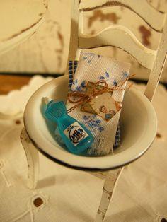 Miniature dollhouse dish pan par Mosswayminiatures sur Etsy