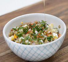 Torta de ahuyama Frijoles, Ceviche, Potato Salad, Potatoes, Ethnic Recipes, Food, Mediterranean Recipes, Healthy Salads, Cook