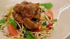Spiering in de wok en een oosterse salade met miehoen | Dagelijkse kost