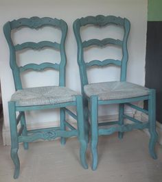 Annie Sloan painted chairs.