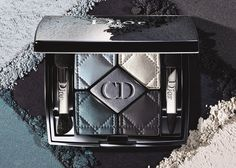 Like a couture wardrobe for the eyes, 5 Couleurs gives free rein to your creativity to achieve custom makeup results. Dior has also created two ready-to-wear looks for the eyes - natural and sophisticated - based on the central shade. Naked Palette, Eye Palette, Eyeshadow Palette, Eye Makeup Brushes, Makeup Brush Set, Christian Dior, Dior 2014, Sexy Makeup, Dior Makeup