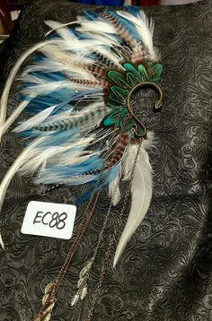 Festival Looks, Festival Wear, Festival Outfits, Festival Fashion, Feather Jewelry, Ear Jewelry, Jewelery, Jewelry Necklaces, Estilo Tribal