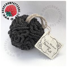 Free crochet shower puff pattern - This is the first of 4 patterns of my FREE CAL, come and join in! We'll be making a luxury bathroom spa gift set, perfect for Christmas gifts or to sell at craft fairs! Week 1 - Shower pouf.