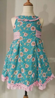 Simple and cute Vestidos Dolce Petit, Toddler Outfits, Girl Outfits, Pretty Little Girls, Dress Girl, Spring Dresses, African Fashion, Alice, Girls Dresses