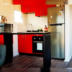 Modulhome | Casas modulares | Montaje en 48 horas Building A Container Home, Container House Plans, Container House Design, Shipping Crate Homes, Shipping Crates, Shipping Container Home Designs, Compact Living, Mobile Home, Beach Cottages