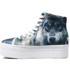 Sneaker in Wolf Print
