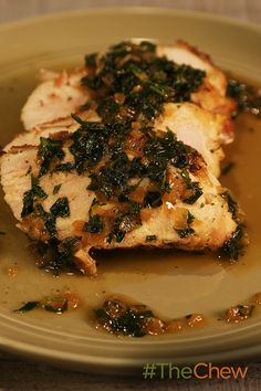 Make this Pan-Roasted Chicken with White Wine Sauce for dinner tonight!