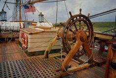 'HMS Bounty  Steuerrad' von Marie Luise Strohmenger bei artflakes.com als Poster oder Kunstdruck $19.41
