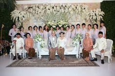 Pernikahan Jawa di rumah - thebridedept.com