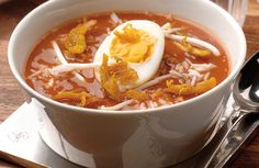 Soto Ajam- Indonesische kippensoep met ei, taugé en rijst