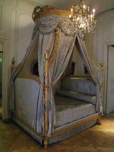 Lit à la polonaise, vers 1765 Attribué à Georges Jacob (1739-1814, maître en 1765) château de Chambord