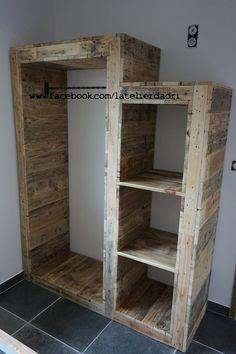 penderie en bois de palettes: Chambre de style de style eclectique par l'atelier d'adri