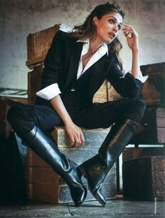 cool work outfit - black boots, suit