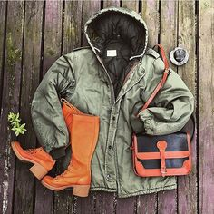Embrace the cold and wet winter with your favorite vintage All-Weather Leather Dooney. (Photo Credit: @kodachromevintage)