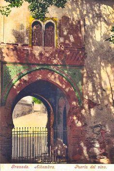 Postales Antiguas de Andalucía: Puerta del Vino de la Alhambra (Granada)
