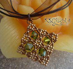 "'Mano' pearl jewelry designer jewelry handcrafted ""Trivia"" pendant swarival"