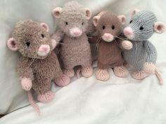 Little Rattie (knit)