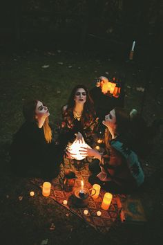 Witchcraft - Rachel Davis Photography - R a c h e l D a v i s Photography - Halloween Halloween Tags, Halloween Photos, Halloween 2019, Halloween Fotografie, Foto Fantasy, Witch Photos, Witch Coven, Halloween Photography, Arte Obscura